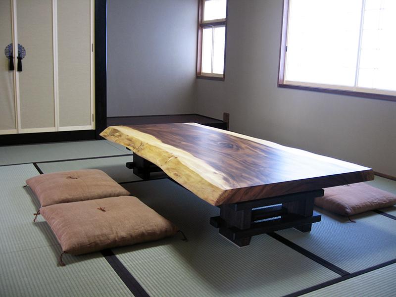 モンキーポッドの一枚板座卓