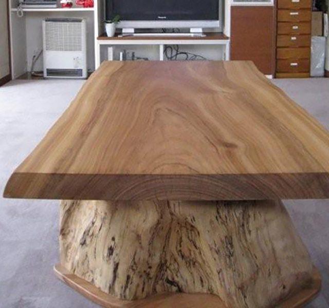 楠の一枚板テーブル