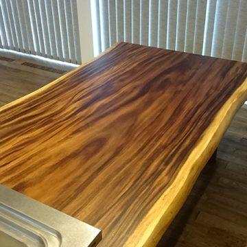 一枚板モンキーポッドのダイニングテーブル