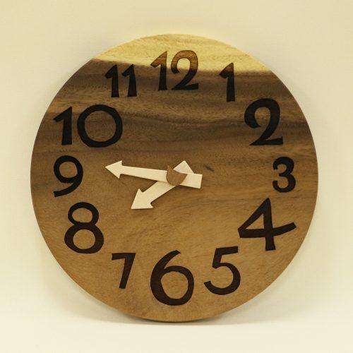 オンラインショップに『木の時計』追加しました!