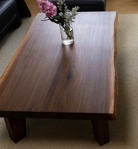 一枚板テーブルの『納品例の写真』を追加しました。