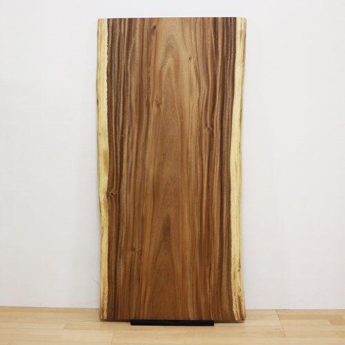 『モンキーポッド』や『欅』の一枚板が仕上がりました。