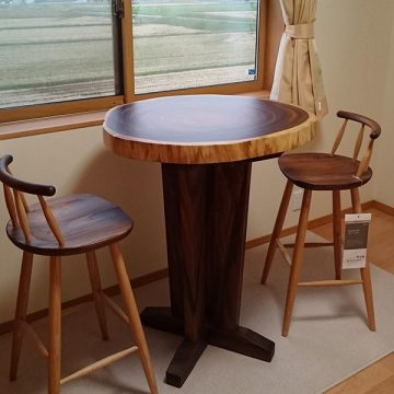 モンキーポッド輪切りカフェテーブル