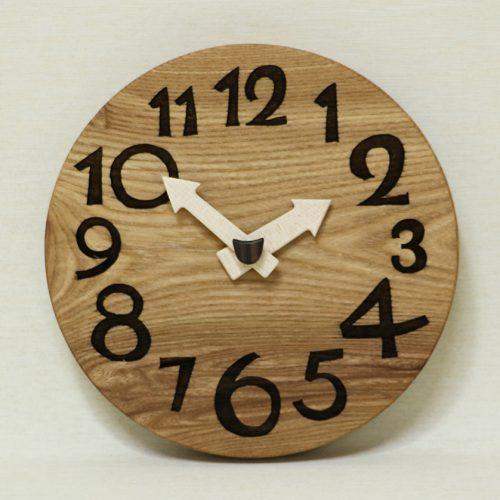 『木の時計』をオンラインショップに追加しました。