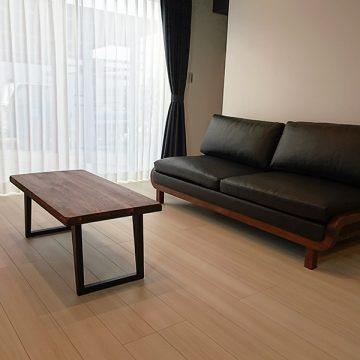 ウォールナット材のソファ リビングテーブル