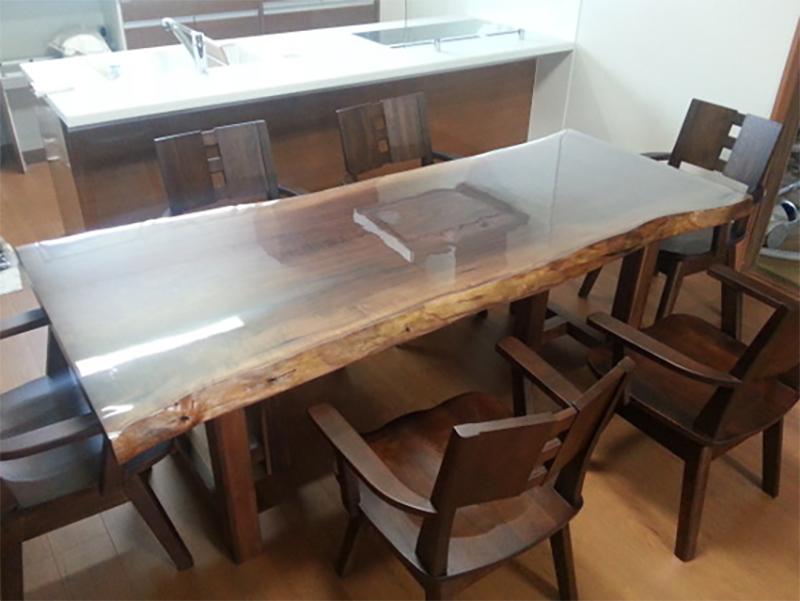 ウォールナット 一枚板ダイニングテーブル
