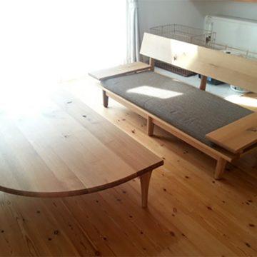 ソファ- 半円テーブル