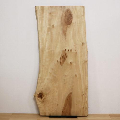 『栃(とち)』や『モンキーポッド』、『楠』の一枚板が仕上がりました。