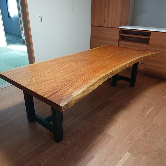 一枚板 欅のダイニングテーブル