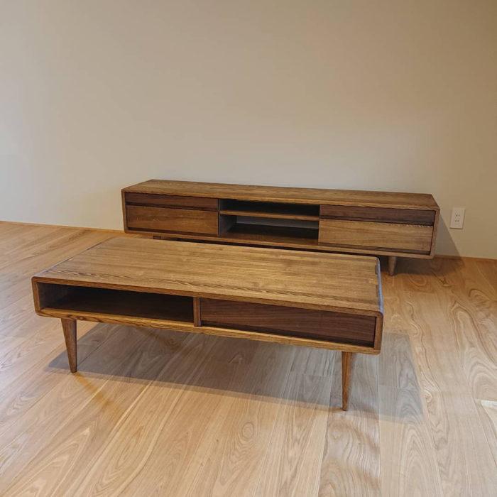 天然木のテレビボード、リビングテーブル
