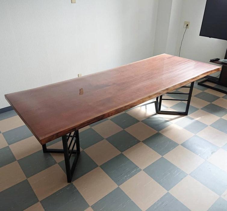 無垢ウォルナットテーブル