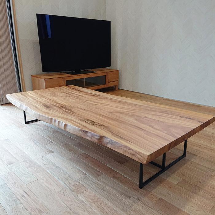 栃の一枚板テーブル