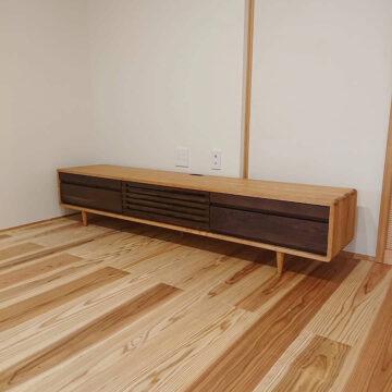 天然木のテレビボード2000