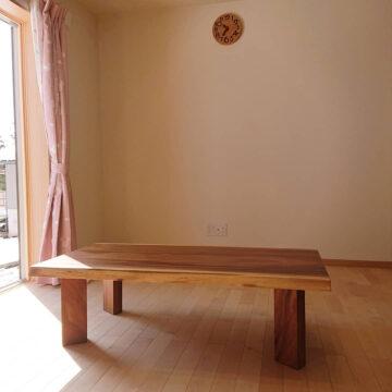一枚板リビングテーブル モンキーポッド