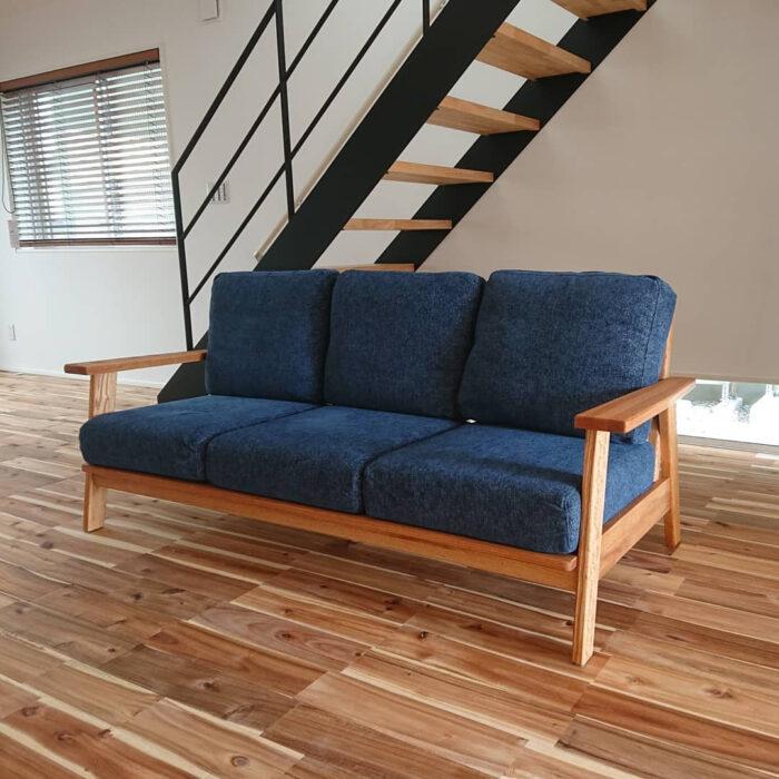 天然木のソファ