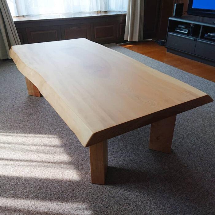 栃の一枚板リビングテーブル
